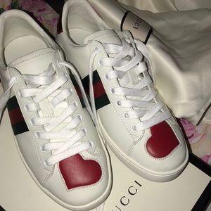 Gucci ace heart sneaker